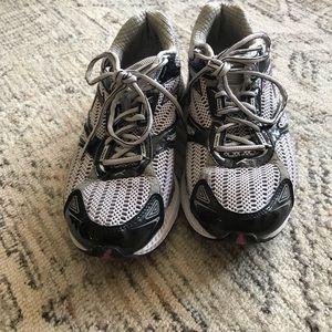 Ethnic running sneakers